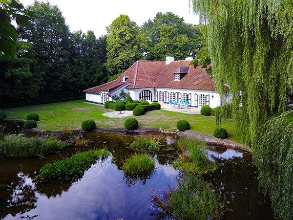 riante villa te koop, unieke woning, vijver, landhuis