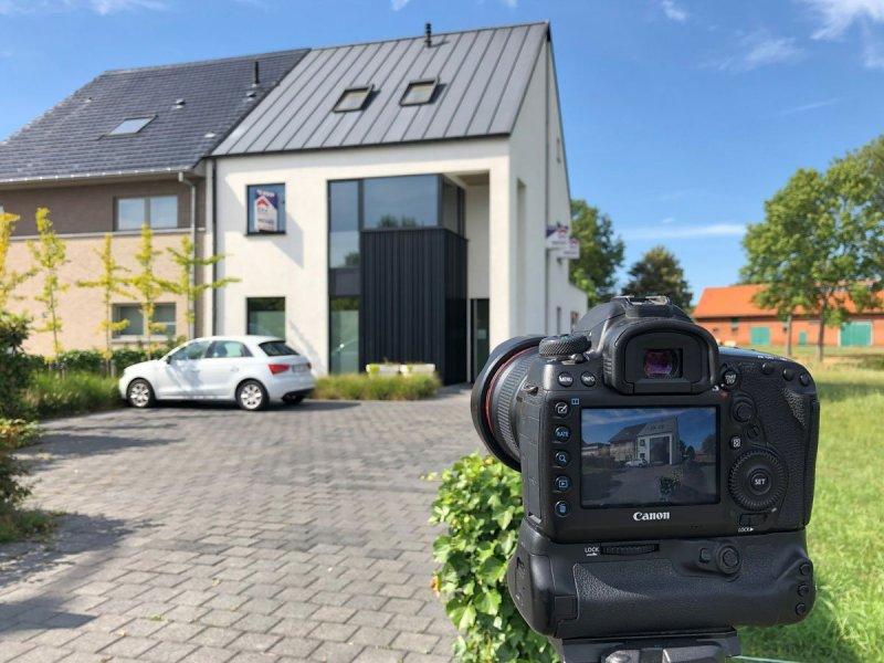 Professionele vastgoedfotografie om je woning zo aantrekkelijk mogelijk te presenteren.