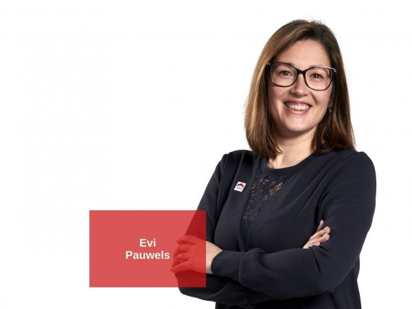 Evi Pauwels, officemanager