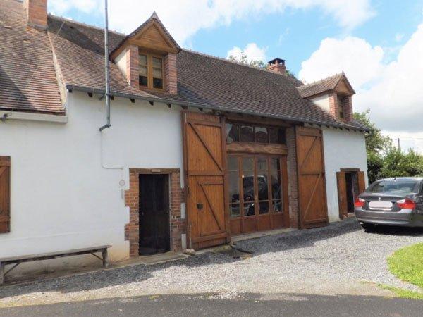 Gerenoveerde vakantiewoning op 1749 m² in Sidiailles.