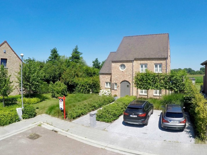 Moderne woning gelegen in rustige woonwijk era belgium for Te koop moderne woning