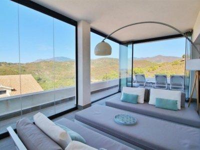 Luxe appartement met panoramisch uitzicht in Estepona