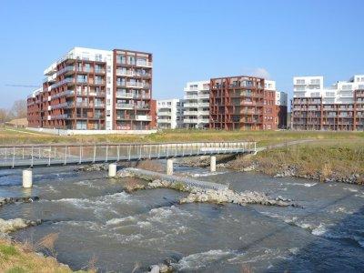 Ruim appartement 99m² met terras aan de Leie