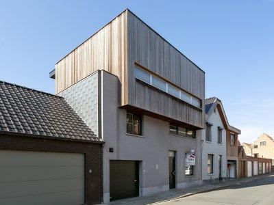 Moderne vier-slaapkamerwoning met zuid-westelijk georiënteerde tuin. Sportstraat 8, 8310 Sint-Kruis